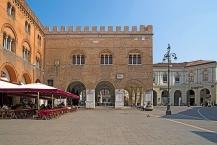 Piazza dei Signori e Palazzo dei Trecento of Treviso