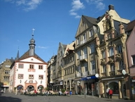 Marktplatz in Bad Kissingen mit altem Rathaus