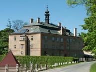 Chateau in the village of Dírná