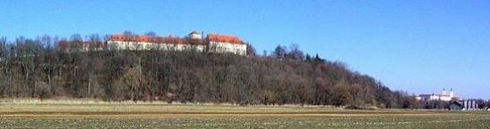 Panorama von Weihenstephan, rechts im Bild der Dom von Freising