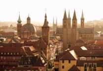 Würzburg, Kiliansdom und Rathaus. Kiliansdom und Rathaus