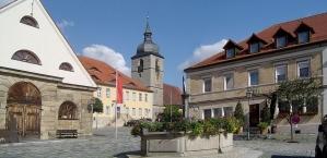 Creußen, market square with market square fountain