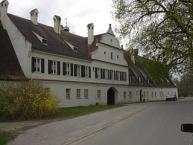 Gut Rohrenfeld, Gestütsgebäude