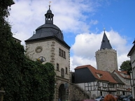 Mühlhausen, Stadtmauer, Frauentor (links) und Rabenturm
