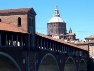 Pavia, Ponte Coperto e cupola del Duomo