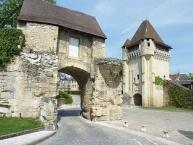 Nevers, la Porte du Croux et les remparts