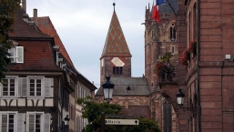 Wissembourg, overlooking Sts Peter and Paul from the side of City Hall