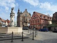 Altes Rathaus und der Wendenbrunnen an der Hauptstraße in Wendelstein