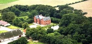 Luftbild des Herrenhauses Skovsgaard