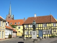 The goose market with the statue of H.C. Oersted