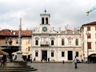 Udine, Scorcio di piazza San Giacomo, con la chiesa di San Giacomo