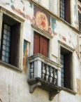 Serravalle: House Bernardini, detail of the facade with painted ʺMadonna and Childʺ