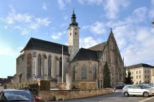 Enns, Stadtpfarrkirche hl. Maria und Reste d.abgekommenen Klosterbauten