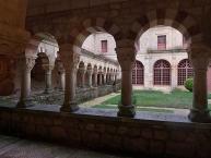 Claustro románico, Monasterio de San Pedro de Cardeña, Castrillo del Val
