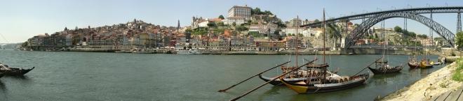 Historical part of Porto, seen from Vila Nova de Gaia, trough the Douro river.