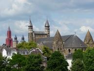 Maastricht mit St Jan Kirche, der St. Servaas Basilika und der Basilika Unserer Lieben Frau