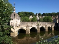 Bradford-on-Avon,Town bridge