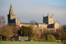 Dunfermline Abbey und Pittencrieff Park