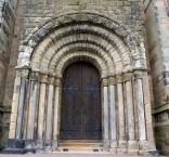 Abteikirche in Dunfermline, Westeingang