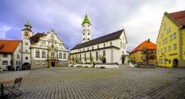 Wangen, Marktplatz mit Rathaus und St. Martinuskirche