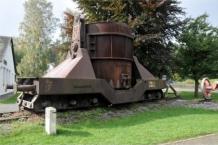 Schlackenwagen: Denkmal für die frühere Eisen- und Stahlindustrie am Bahnhof Jünkerath