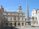 Place de la République, à Arles