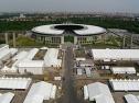 Olympiastadion und Pressezentrum während der Fußballweltmeisterschaft 2006 auf dem Maifeld in Berlin