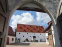 Leipheim, Schlossstallung und ehem. Zehentstadel