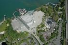 Die Seebühne und das Festspielhaus in Bregenz in einer Luftaufnahme