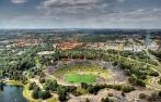 Das Olympiastadion München vom Olympiaturm aus fotografiert.