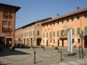 Cherasco, municipio e piazza antistante