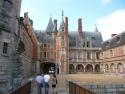 Cour du Château de Maintenon