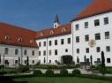 Kloster Seeon, Kloster Hof mit Brunnen