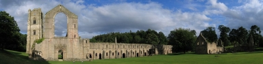Westansicht der Ruine von Fountains Abbey
