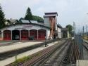 Achensee-banens remisen i Jenbach, hvor tandhjulsstrækningen begynder/Here the cog section begins