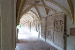 Bogengang der Pfarr- und Stiftskirche<br>Zu Unsere