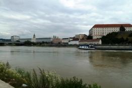 Blick über die Doanu auf Linz