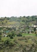 Dorf am Hang über der Rhone