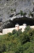 Gebäude an der Rhône-Schlucht bei La Balme
