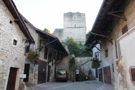 Donjon der ehem. Burg von Morestel