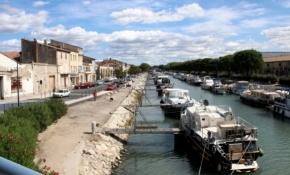 Beaucaire, Boote auf dem Kanal