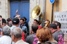 Nîmes, Musiker spielen anlässlich der Feria