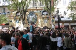 Nîmes, Straßenfest anlässlich der Feria