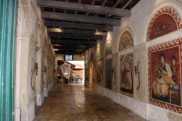 Avignon, Zugang zum Theater »Le Petit Louvre«