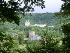 Kloster Arnstein hinter Schloss Langenau