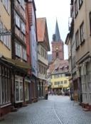 Wertheim, Maingasse mit Blick auf die Stiftskirche