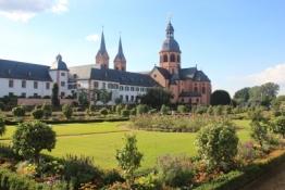 Seligenstadt, Klostergarten, Kloster u. Einhard-Basilika