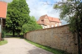 Wasserschloss Unsleben, verborgen auf Privatgelände