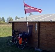Bag denne hytte holdt jeg kaffepause/Behind this cabin I had a coffe break