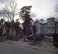 Rigmandsvillaer ud til kysten i badebyen Jurmala/Large villas for rich people in Jurmala